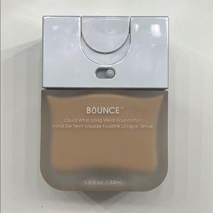 Beauty Blender Bounce Foundation (Shade 3.65)